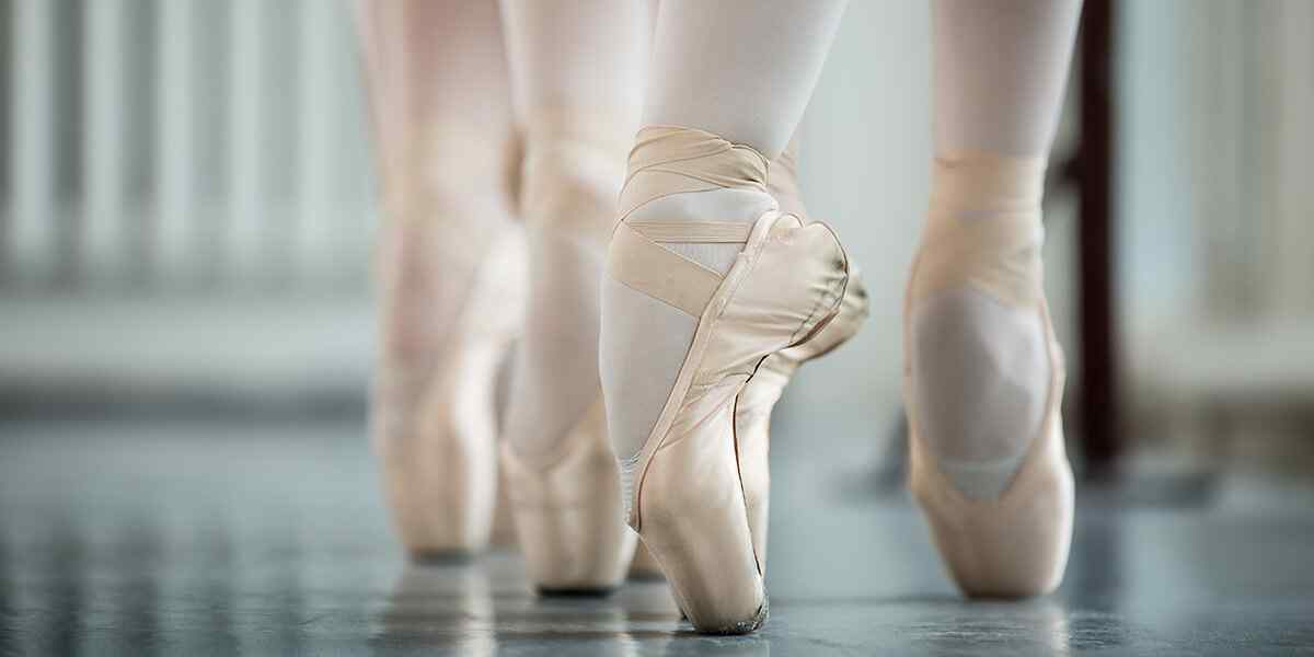 http://lamaisonquirendfou.com/wp-content/uploads/2019/04/inner_dance_08.jpg